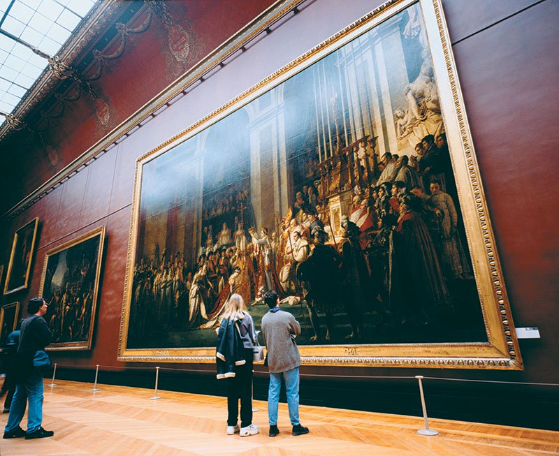 Visit the Louvre on an educational tour